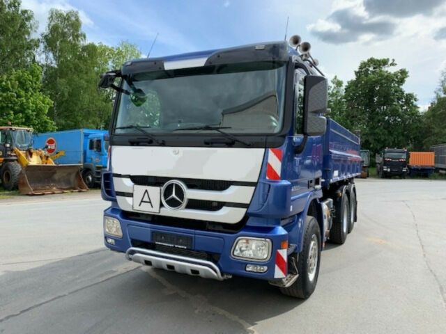 Mercedes-BenzUNKNOWN